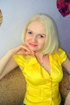 Anna from Dnepropetrovsk 30 years - kind russian girl. My small primary photo.