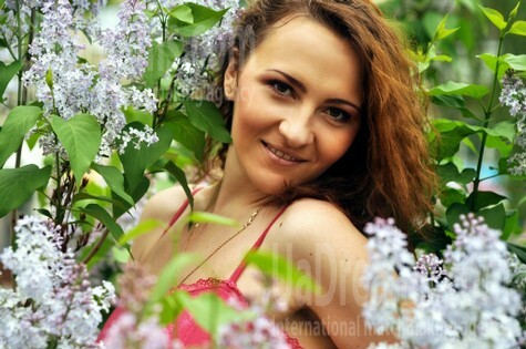 Anna from Rovno 24 years - nice smile. My small public photo.