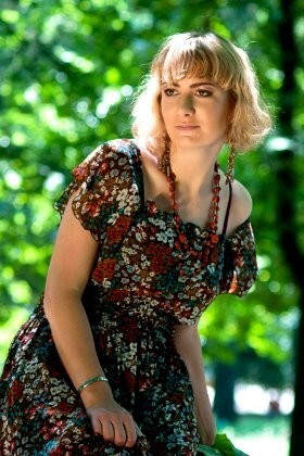 Katia from Rovno 27 years - sunny smile. My big primary photo.
