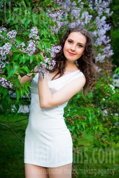 Yana from Sumy 22 years - carring woman. My small public photo.