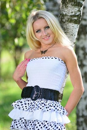 Irina from Sumy 32 years - romantic girl. My small primary photo.