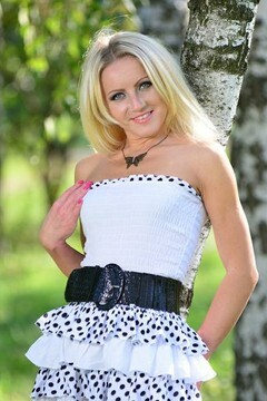 Irina from Sumy 30 years - romantic girl. My small primary photo.