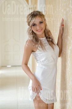 Lenochka from Nikolaev 24 years - favorite dress. My small public photo.