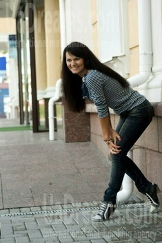 Liuda from Rovno 30 years - smiling for you. My small public photo.