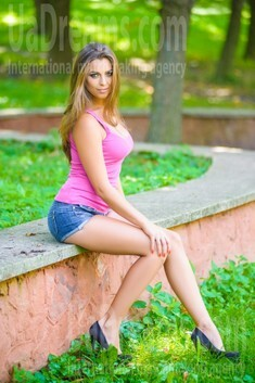 Ivanna from Ivanofrankovsk 22 years - carring woman. My small public photo.