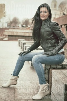 Olya from Poltava 27 years - attractive lady. My small public photo.