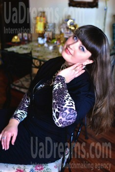 Lena from Sumy 34 years - romantic girl. My small public photo.