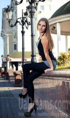 Anna from Rovno 21 years - waiting for husband. My small public photo.