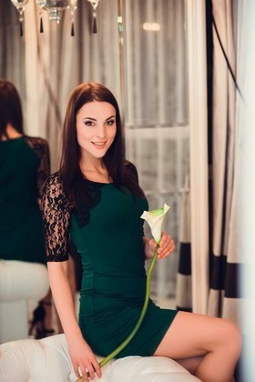 Veronika from Poltava 22 years - intelligent lady. My small primary photo.