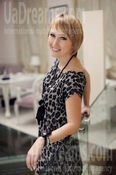Ira from Ivanofrankovsk 36 years - wants to be loved. My small public photo.