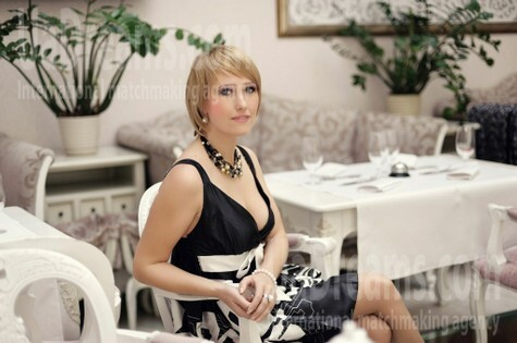 Ira from Ivanofrankovsk 36 years - good mood. My small public photo.