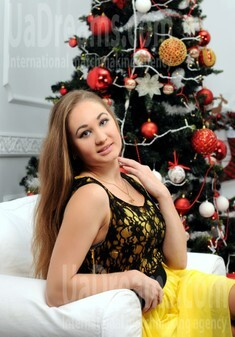 Alla from Rovno 27 years - seeking soulmate. My small public photo.