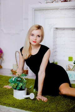 Ilona from Poltava 21 years - photo session. My small primary photo.