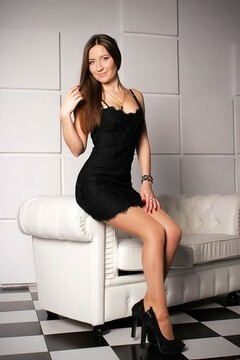 Marinka from Zaporozhye 25 years - loving woman. My small primary photo.