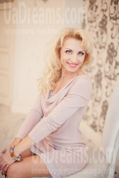 Sveta from Poltava 44 years - intelligent lady. My small public photo.