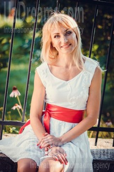 Sveta from Poltava 44 years - smiling for you. My small public photo.