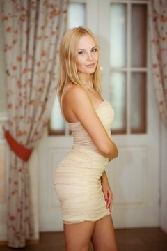 Elena from Kharkov 32 years - photo session. My mid primary photo.