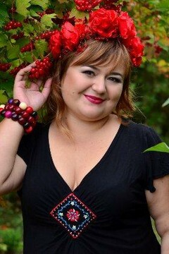 Natali from Rovno 35 years - independent woman. My small primary photo.