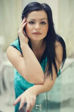 Katya from Ivanofrankovsk 25 years - nice fiancee. My mid primary photo.