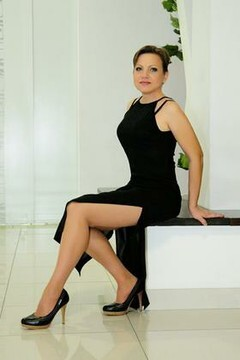 Nusha from Cherkasy 38 years - intelligent lady. My mid primary photo.