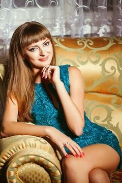 Anyuta from Donetsk 25 years - lovely girl. My small primary photo.