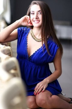 Julie from Nikolaev 19 years - girl for dating. My small primary photo.