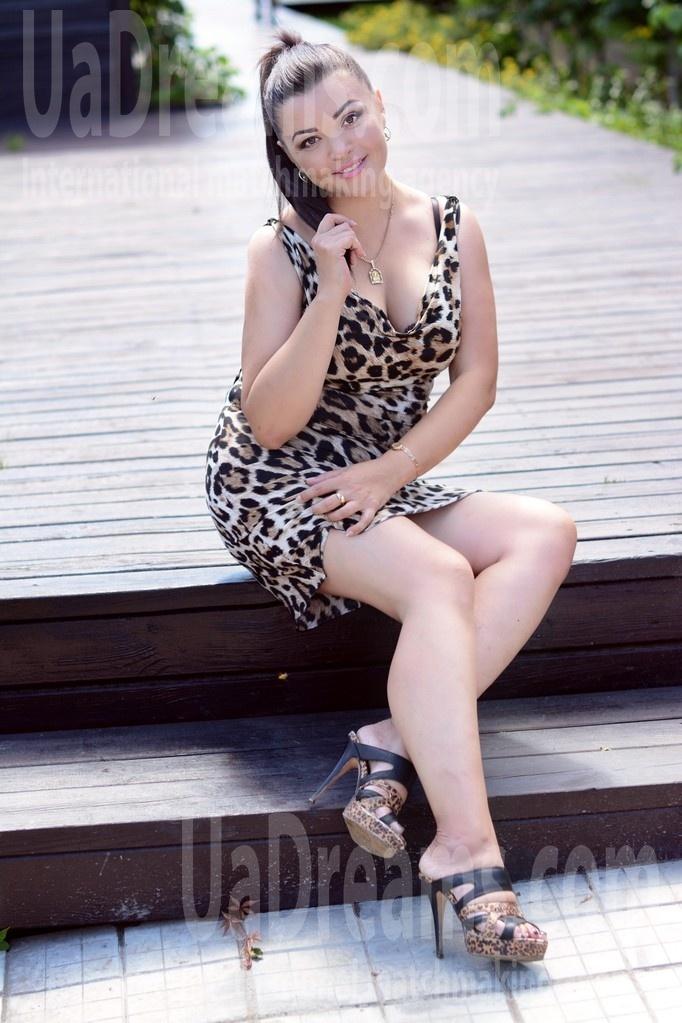 Valentina from Kharkov 42 years - nice fiancee. My small public photo.
