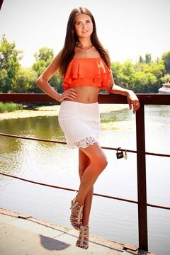 Olya from Zaporozhye 24 years - waiting for husband. My mid primary photo.