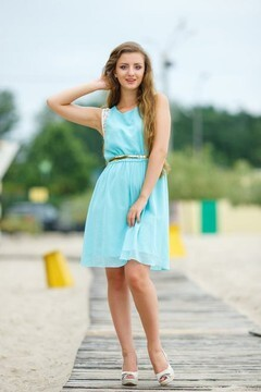Olga from Kremenchug 19 years - girl for marriage. My small primary photo.