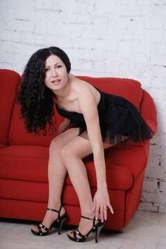 Yana from Zaporozhye 35 years - romantic girl. My small primary photo.
