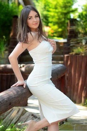 Karina from Kharkov 21 years - beautiful woman. My small primary photo.