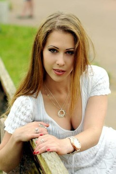 Yana from Rovno 21 years - desirable woman. My mid primary photo.