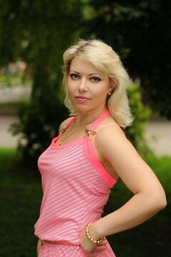 Svitlana from Rovno 37 years - girl for marriage. My small primary photo.