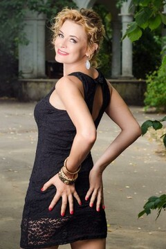 Svetlana from Nikolaev 36 years - introduce myself. My mid primary photo.