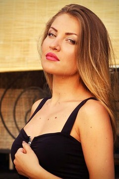 Ksyusha from Zaporozhye 23 years - attentive lady. My mid primary photo.