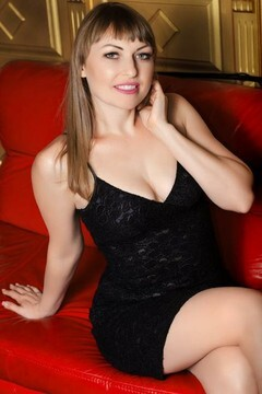 Alexandra  33 years - ukrainian bride. My small primary photo.