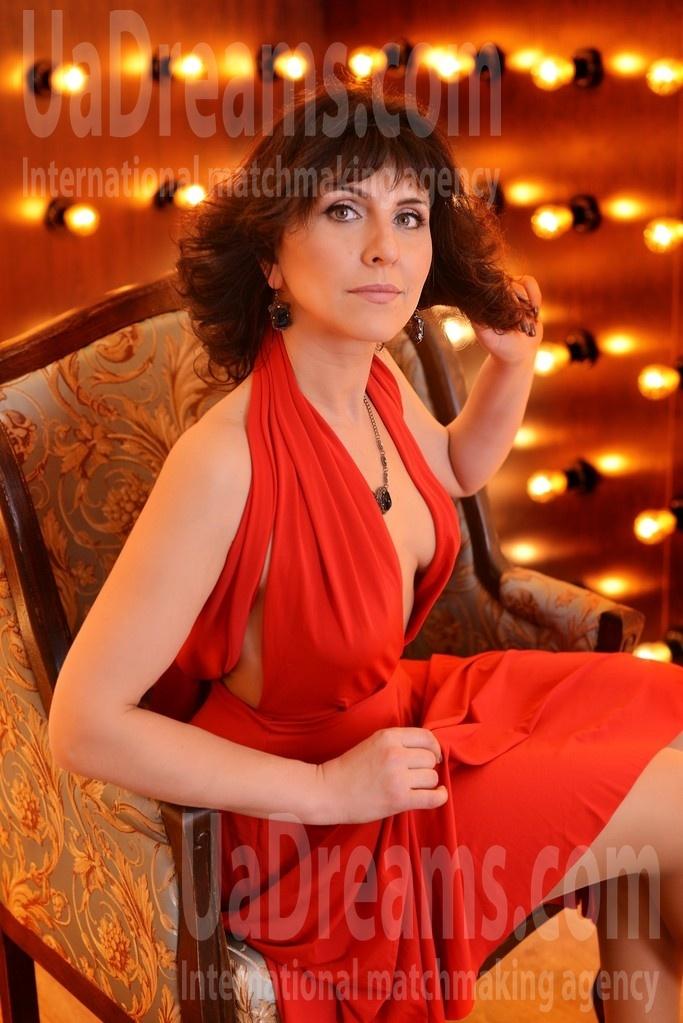 Nina from Kharkov 39 years - good girl. My small public photo.