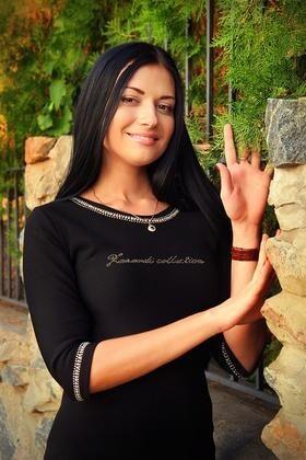 Elena from Zaporozhye 28 years - bright smile. My small primary photo.