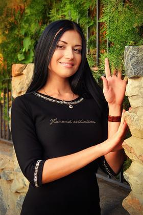 Elena from Zaporozhye 28 years - bright smile. My small primary photo.