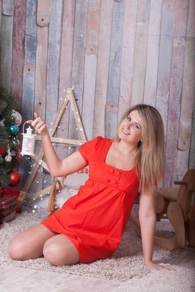 Olya from Poltava 25 years - introduce myself. My small primary photo.