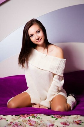Alina from Sumy 21 years - nice smile. My small primary photo.
