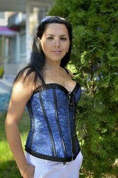 Iryna from Kremenchug 30 years - morning freshness. My mid primary photo.