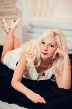 Tatiana from Poltava 41 years - nice fiancee. My mid primary photo.