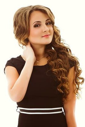 Anastasiya from Dnepropetrovsk 20 years - attentive lady. My small primary photo.