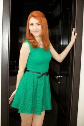 Svetlana from Kharkov 24 years - sunny smile. My small primary photo.