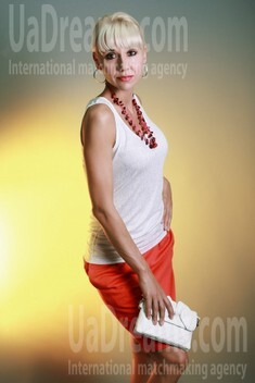Svetlana from Sumy 33 years - seeking man. My small public photo.