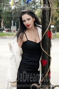 Marina from Sumy 36 years - attractive lady. My small public photo.
