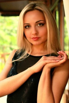 Irina from Lutsk 28 years - desirable woman. My mid primary photo.