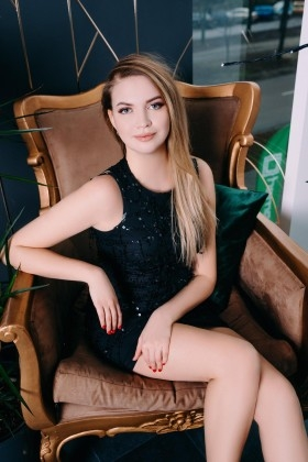 Vlada from Cherkasy 23 years - waiting for husband. My small primary photo.