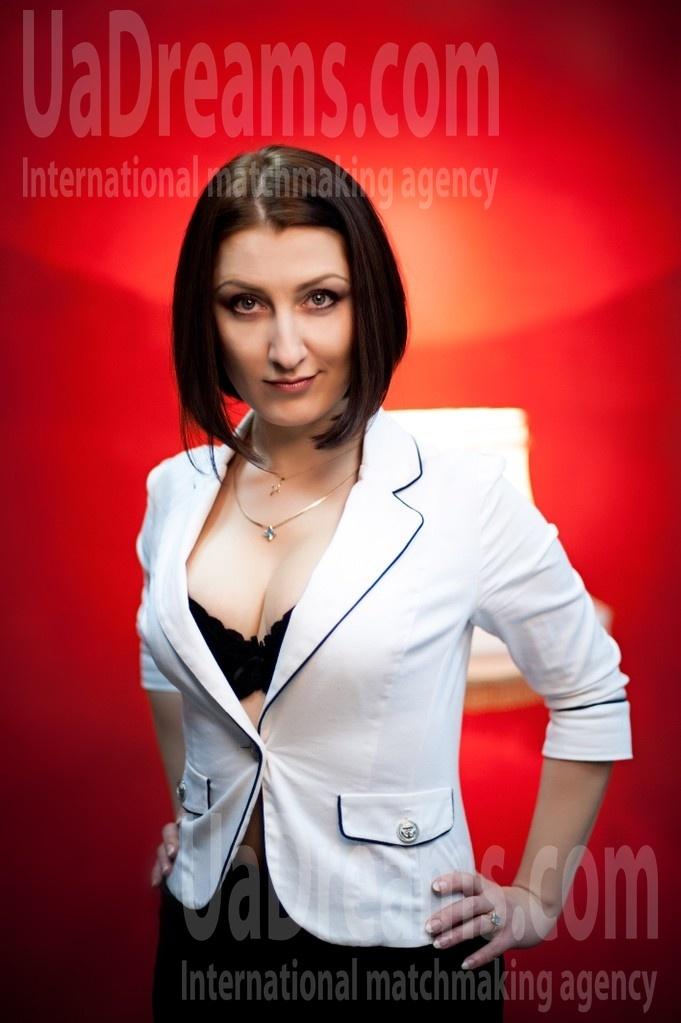 Galina from Cherkasy 32 years - loving woman. My small public photo.